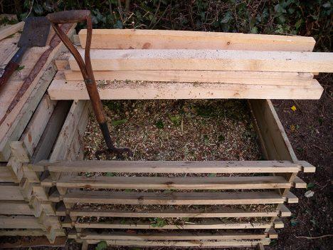 Gewöhnliche Garten-Kompost-Anlage mit Durchlüftung, (C) andy carter / flickr