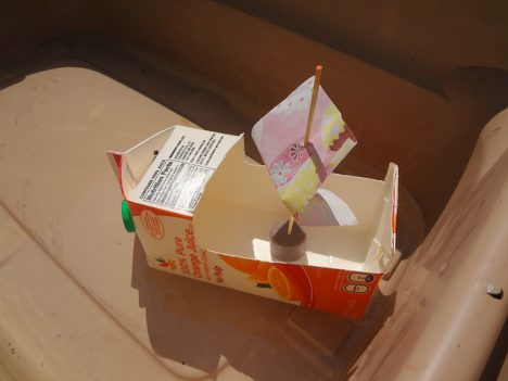 Kreatives Spielzeug aus Abfallstoffen, Foto (C) Emma Craig / flickr