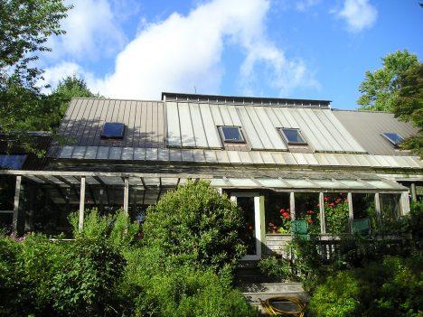 Wohnhaus mit Trombewand, Foto (C) Joe / flickr