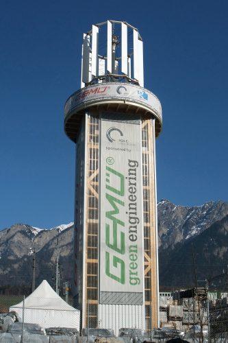 Vertikalturbine auf einem frei stehenden Turmgerüst, Foto (C) Kecko / flickr