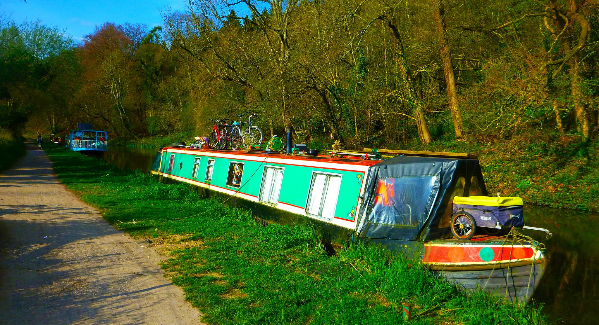 Auch Hausboote sind eine Form von mobilen Behausungen, Foto (C) Angel Ganev / flickr