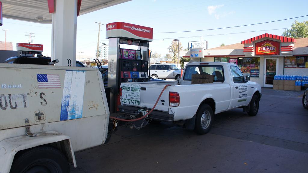Druckluft kann an Tankstellen getankt werden. Foto (C) Aranami / flickr