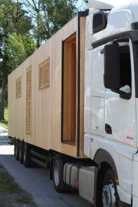 Anlieferung mit einem Lieflader-LKW. Foto und Info: http://www.mex.co.at