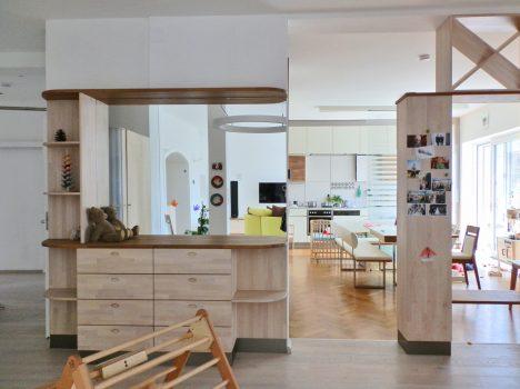 Blick in die Küche,Raum(mit)gestaltung + Foto (C) Irmgard Brottrager