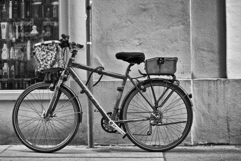 Zwei Fahrradkörbe sind besser als einer! Foto (C) Gabriele Diwald / flickr