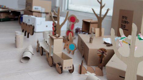 Spielzeug aus Karton, Foto (C) Paula Chapela / flickr