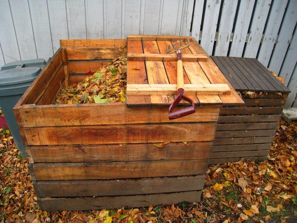 Kompost-Kisten mit Deckel, Foto (C) solylunafamilia / flickr CC BY 2.0