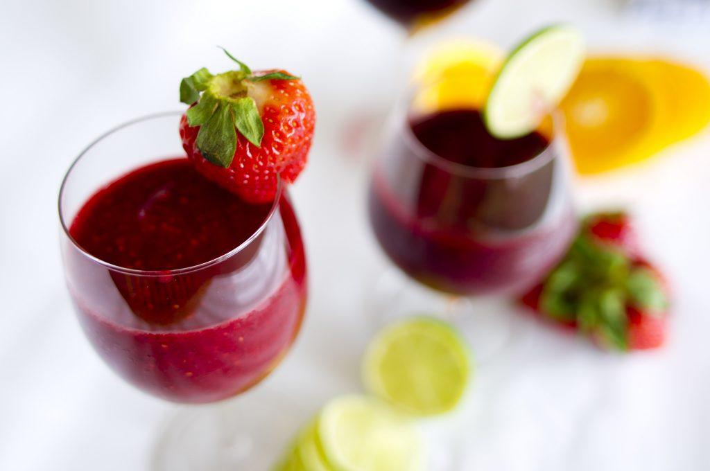 Smoothies haben den Vorteil, dass man verschiedene Früchte mixen kann. Foto (C) Smoothie-Ida Myrvold / flickr CC BY 2.0