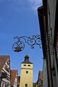 Altes Freimaurer-Zunftzeichen in Weißenburg in Bayern. Foto (C) digital cat / flickr CC BY 2.0