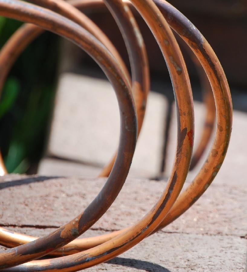 Kupfer ist ein wichtiger Baustoff für Wasserrohre und Dachdeckungen. Foto (C) Steve Johnson / flickr CC BY 2.0