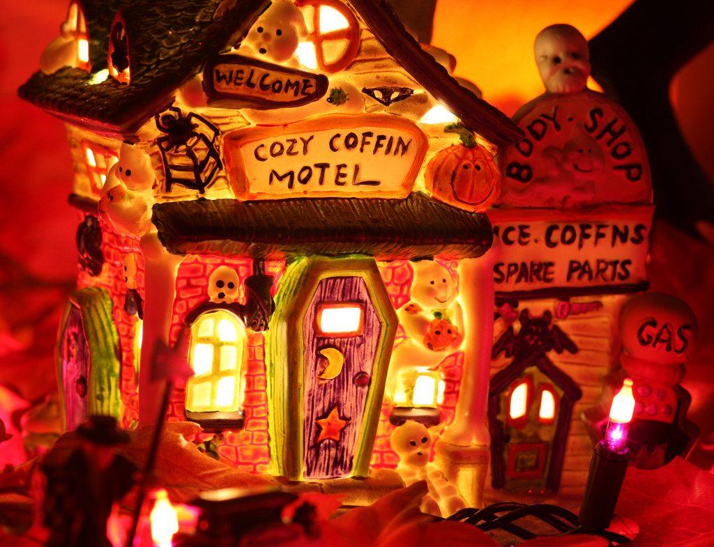 Viele Menschen gruseln sich gerne - nicht nur zu Halloween. Foto (C) Kevin Dooley / flickr CC BY 2.0