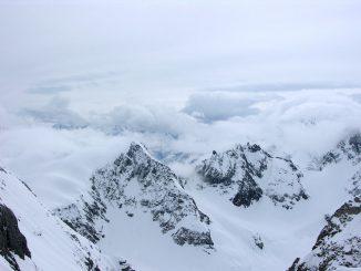 Weißer Himmel über weißem Schnee, Foto (C) Navdeep Raj / flickr CC BY 2.0