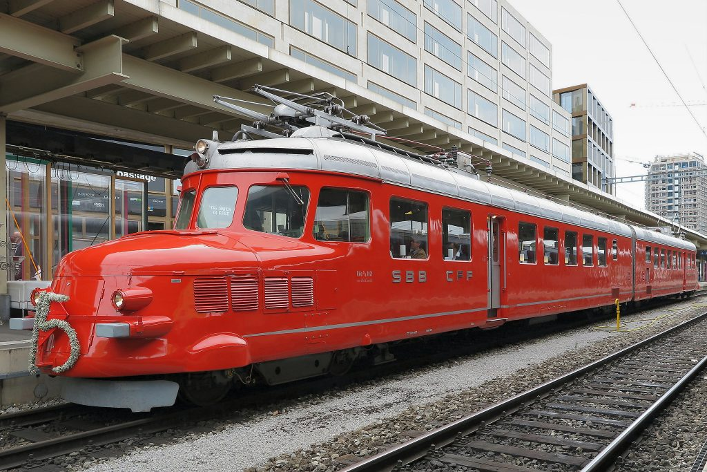 """Als """"Rote Pfeile"""" wurden 1930er-Jahren die Leichttriebwägen der Schweizerischen Bundesbahnen bezeichnet. Foto (C) Kecko / flickr CC By 2.0"""