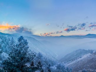 Rau aber schön: Winterlandschaft von oben. Foto (C) Zach Dischner / flickr / CC BY 2.0