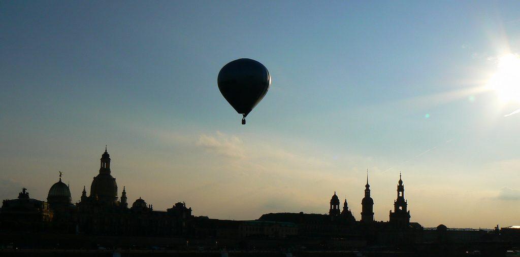 Das höhere Bewusstsein ist vergleichbar mit einem Heißluftballon, der den Überblick ermöglicht. Foto (C) dierk schaefer / flickr CC BY 2.0