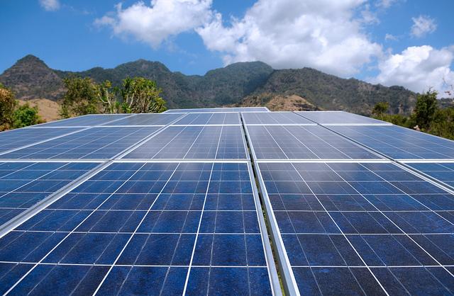 Solarkraftwerk, Foto (C) Selamat Made / flickr CC BY 2.0