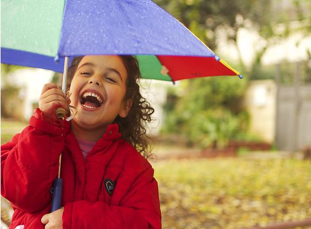 Solange ein Mensch noch aus ganzem Herzen lachen kann, ist er jung. Foto: Alon / flickr CC BY 2.0