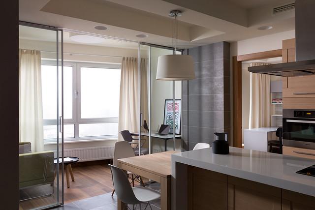 Diese Wohnküche sieht effizient aus. Hier wird kein Platz verschenkt. Foto: Mikhail Golub / flickr CC BY 2.0
