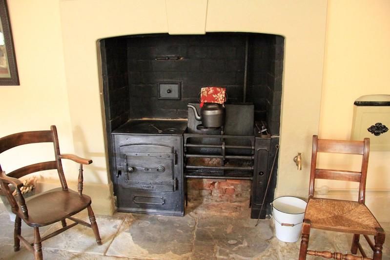 Interessante Kombination aus Küchenofen und Kaminofen, Foto: Küchenofen-Karen Roe / flickr CC BY 2.0