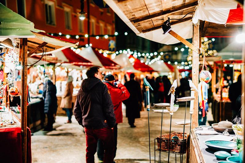 Sinnsuche am Weihnachtsmarkt, Foto: Matthias Ripp / flickr CC BY 2.0