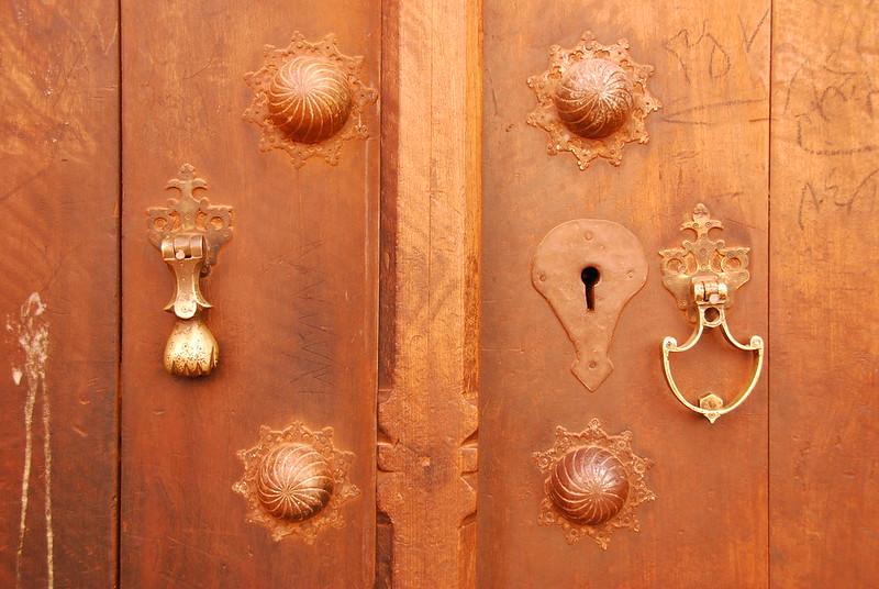 Alte Eingangstür mit Stehflügel, Foto: Paul Keller / flickr CC BY 2.0
