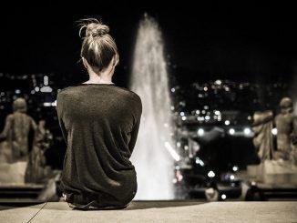 Wenn die Energie frei fließt, ist der Rücken entspannt. Foto Boris Thaser / flickr CC BY 2.0