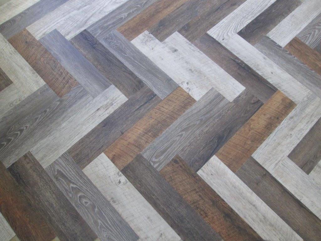 Vinyl-Fußboden