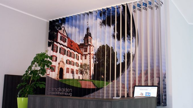 Lamellenvorhang mit Fotodruck, Foto: schattenspender.de / flickr CC BY 2.0